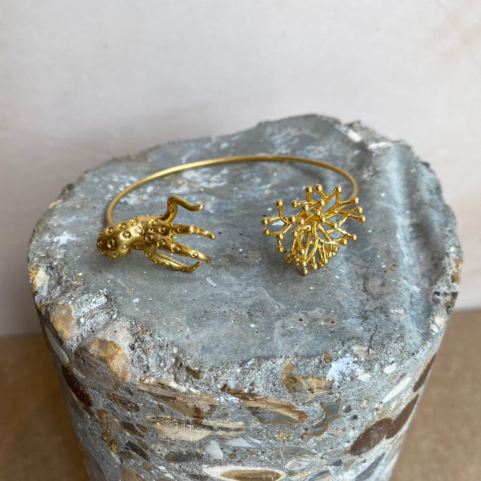 Gold plated Octopus Bangle - Gold-