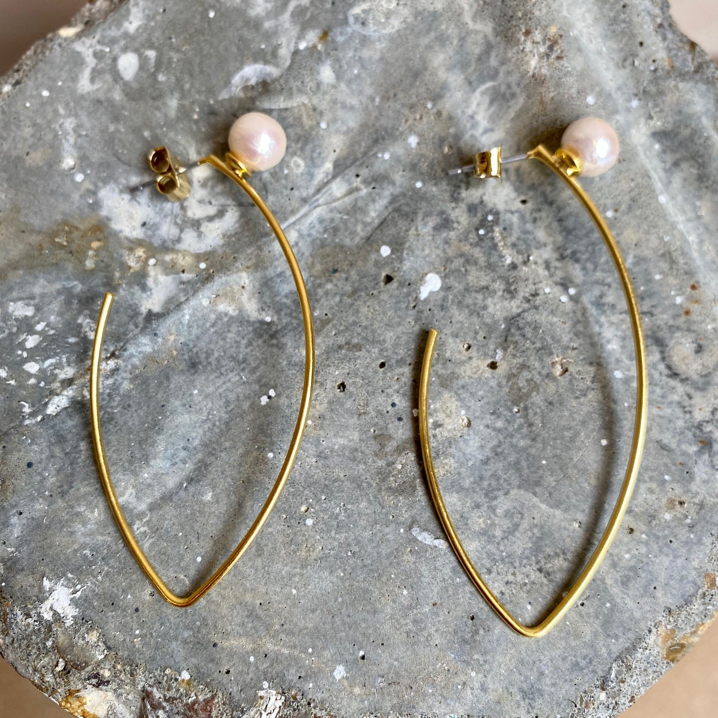 Marquise Shape Hoop Earrings with Cotton Pearl - Gold-