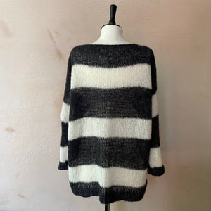 Aloisa Loom Stripe Alpaca Jumper -Anthracite grey with White stripe-