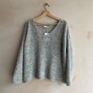 Milenia Loom V-neck Alpaca Jumper /Short Length -Light Grey-