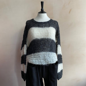 Michele & Hoven Hand knitted Alpaca Sunny Loop -GreyxWhite Stripe-