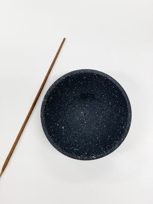 Load image into Gallery viewer, terrazzo black - CIRCLE INCENSE HOLDER