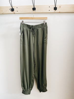 Load image into Gallery viewer, Military green cargo pants
