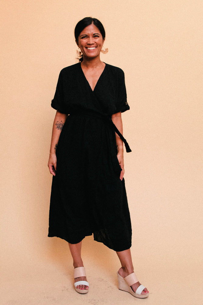 Load image into Gallery viewer, Black Linen Wrap Dress