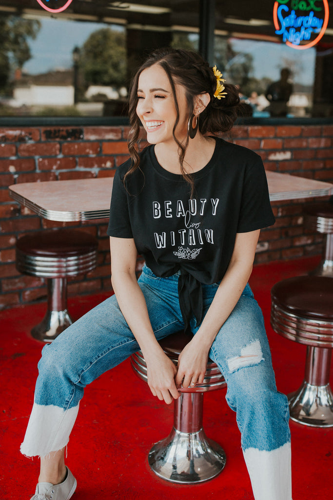 Beauty lies within tie tee
