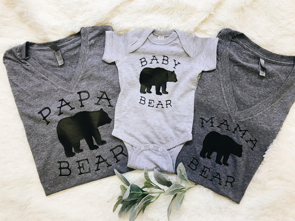 Load image into Gallery viewer, pregnancy announcement shirts.mama bear tee.papa bear tee .baby bear onesie. family t-shirts.family shirts.pregnancy shirts.announcement tee