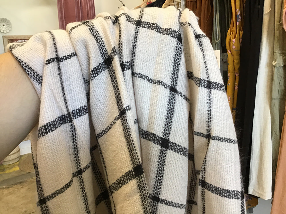Cream checkered blanket scarf