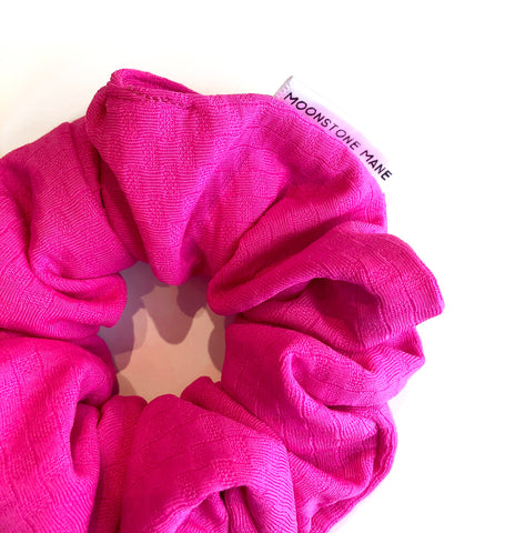 HOT PINK CLASSIC SCRUNCHIE