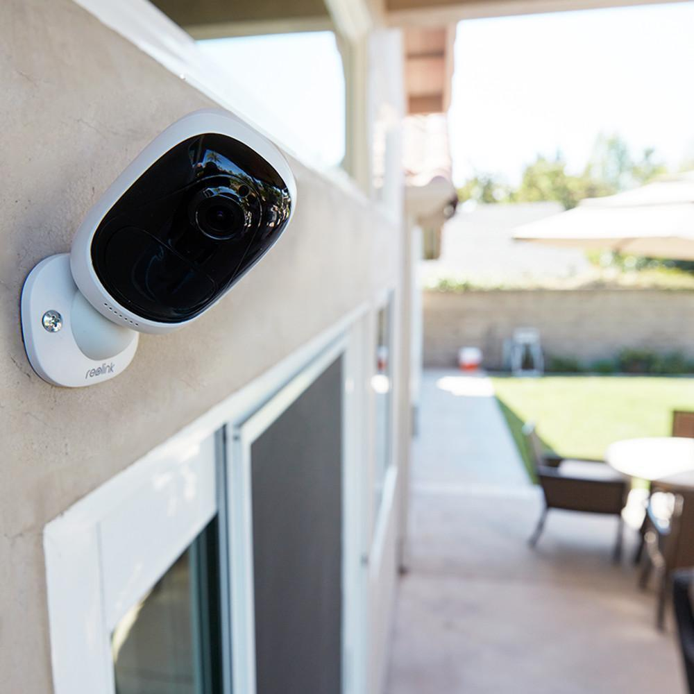 Outdoor Weatherproof Security Camera (Wire-Free & 1080P Full-HD)