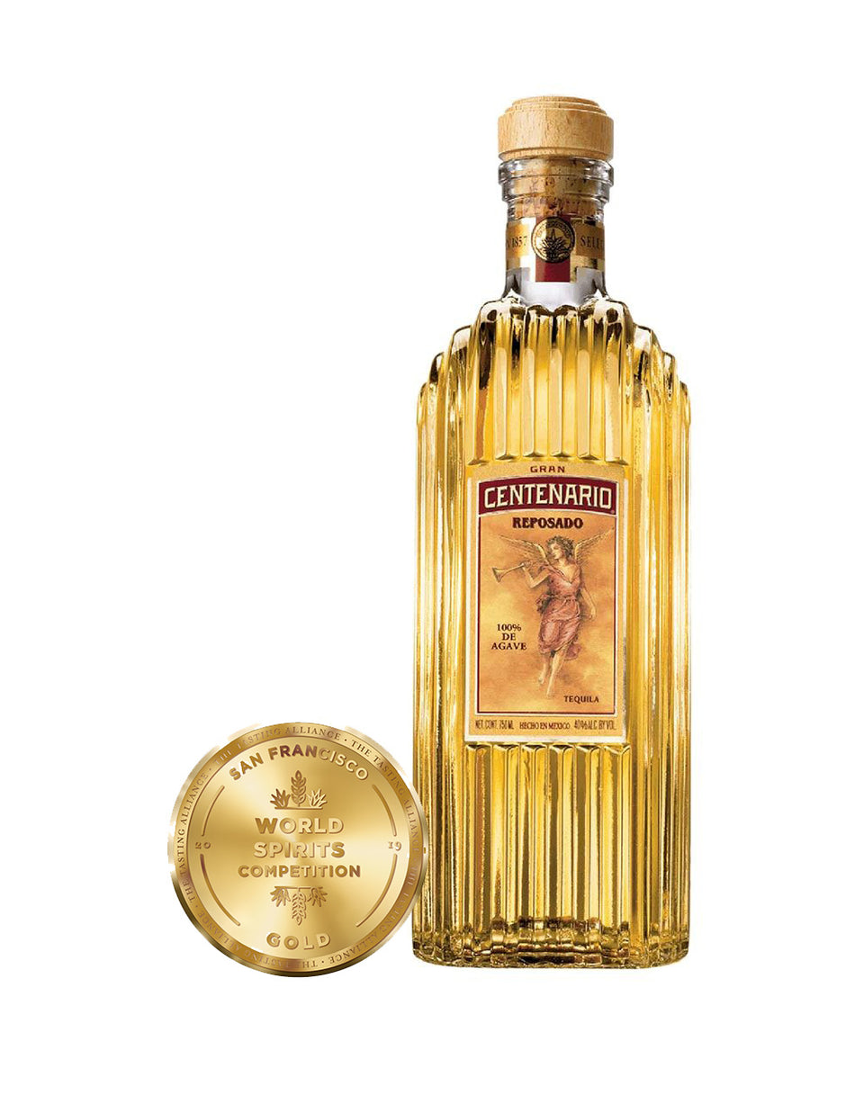 Load image into Gallery viewer, Gran Centenario® Reposado bottle and award
