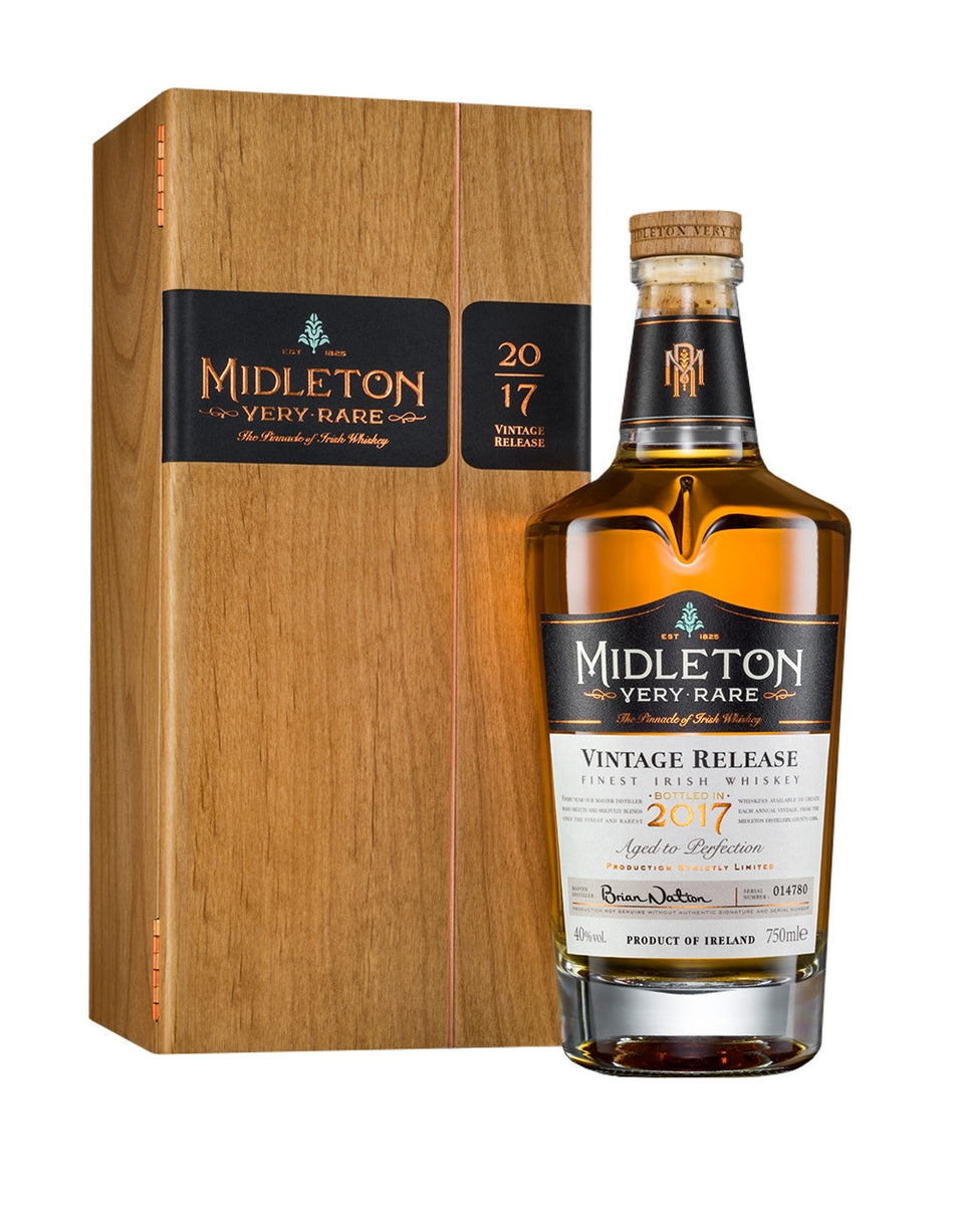 Load image into Gallery viewer, Midleton Very Rare Irish Whiskey bottle and box
