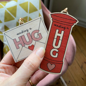Send a Hug decoration - Postbox