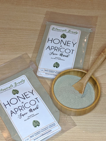 Honey & Apricot Green Clay Face Mask