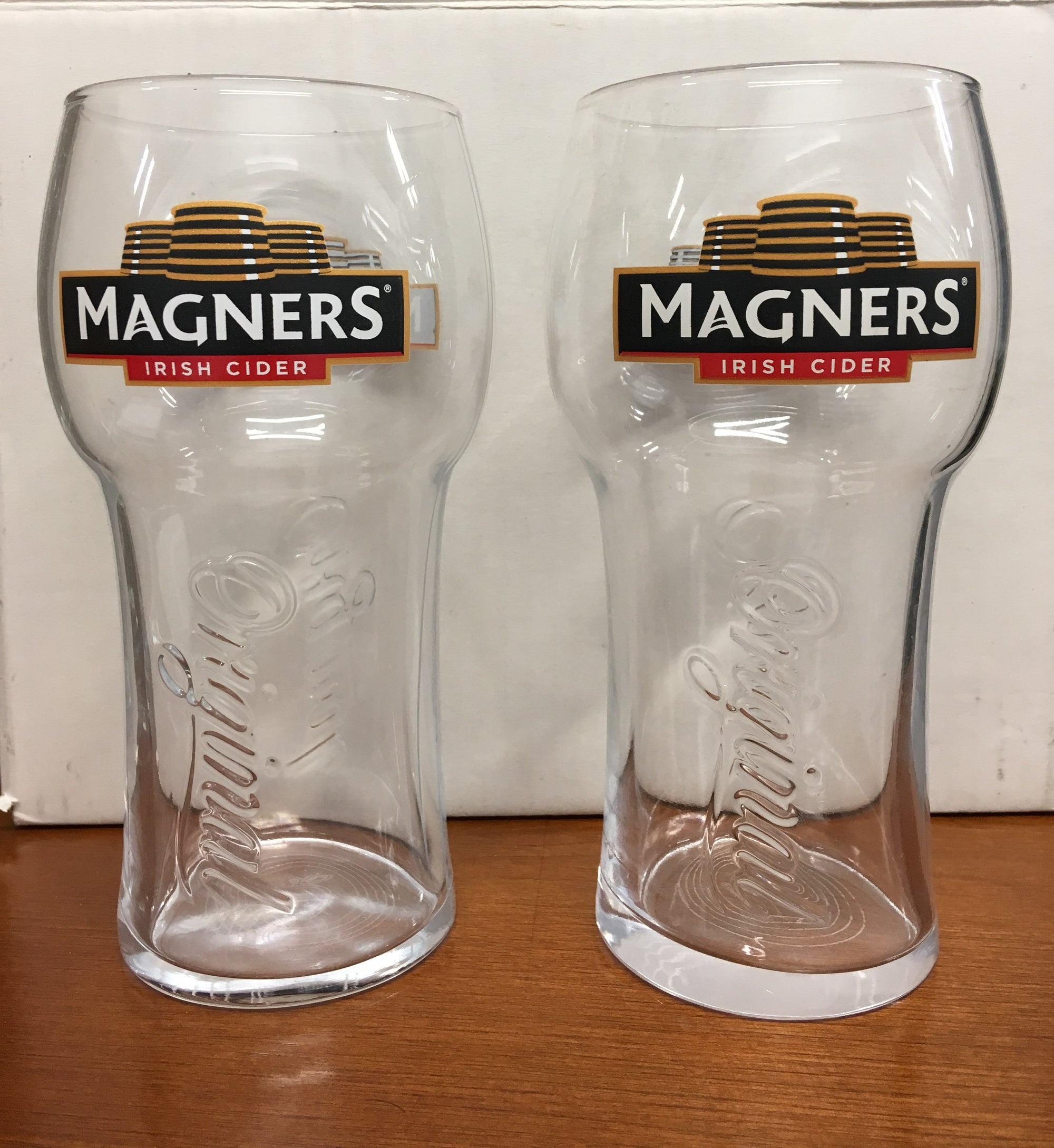 Magners Irish Cider Beer Pint Glasses Set of 2