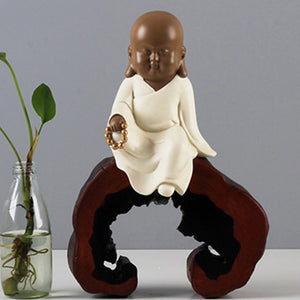 Buddha Monk Statue Monk Figurine Chinese Classical Candlestick Zen Monk Crafts Home Decorative Ornaments Miniatures