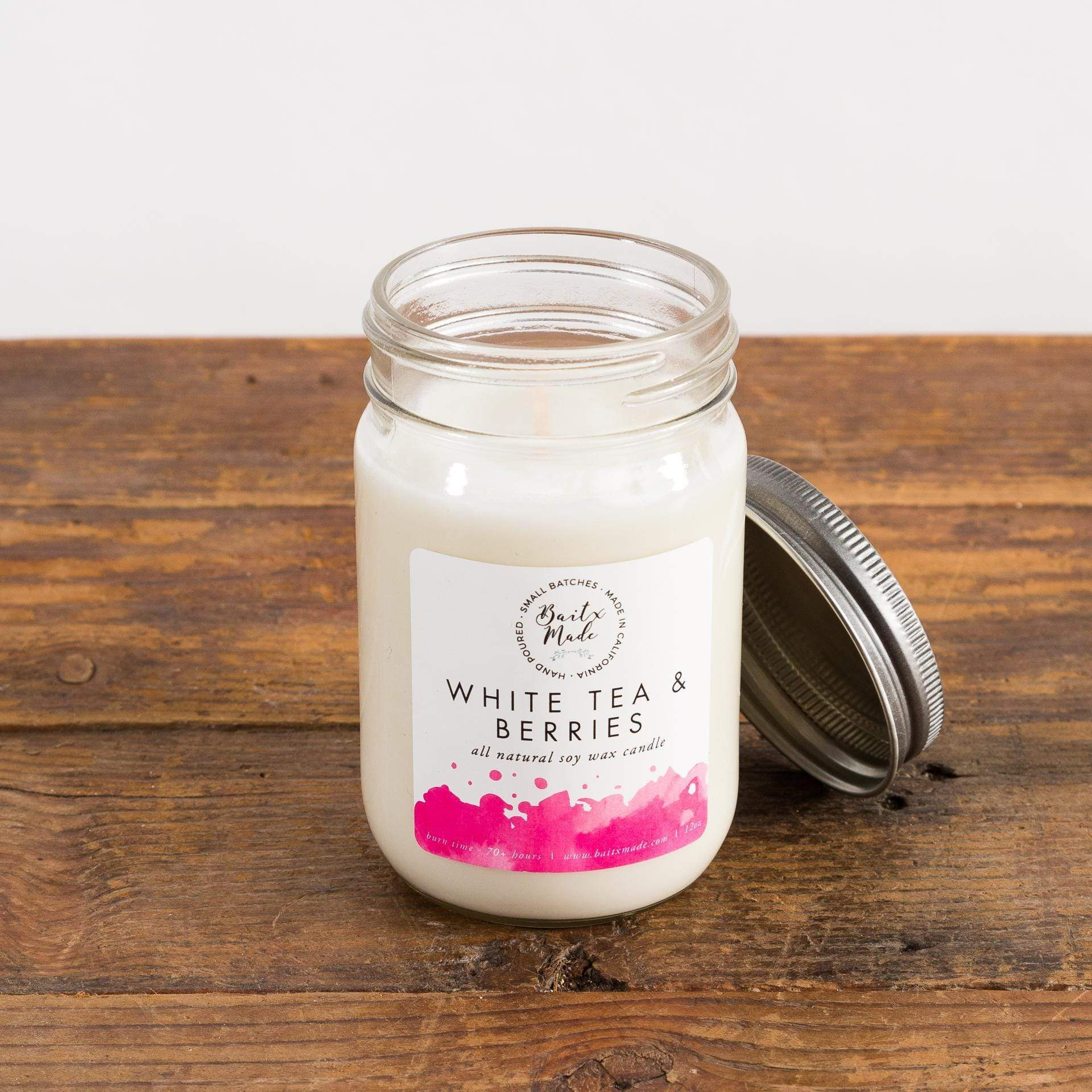 White Tea And Berries Soy Candle - Urban Sprouts