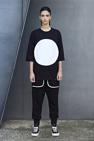 REVERSIBLE WHITE CIRCLE TEE - SIDE A