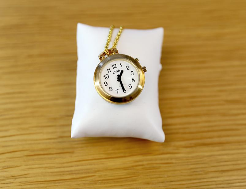 Pendant Talking Watch - 1 Button, Gold with 27
