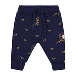 Smitten Organic  - Sweatpant with Hedgehog collecting the leaves