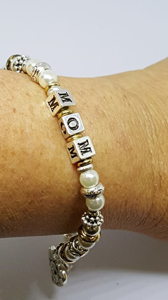 TWO-TONE AND PEARL 'MOM' BLOCK LETTER HEART BRACELET