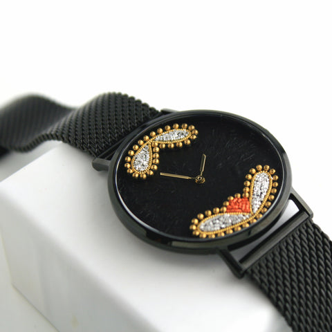Montre Unique N°2 - Broderie au fil d'or Avec Clemcacanco