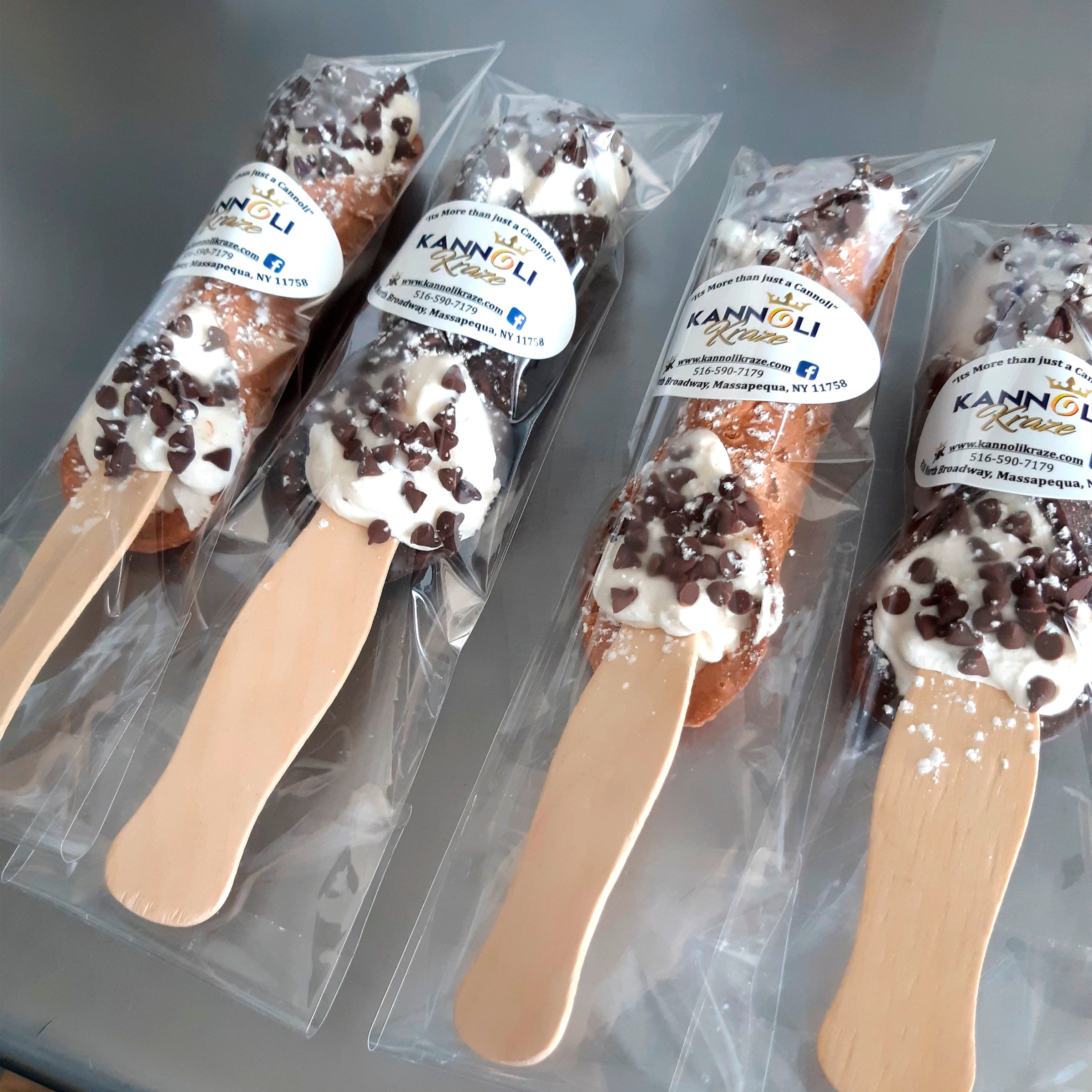 Six Cannoli Pop-Sticks (Free Shipping)