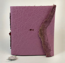 "Load image into Gallery viewer, Mini-Magnetic Notebook  ""I heart U"""