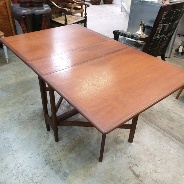 1970's Retro Teak Gate Leg Drop Side Dining Table