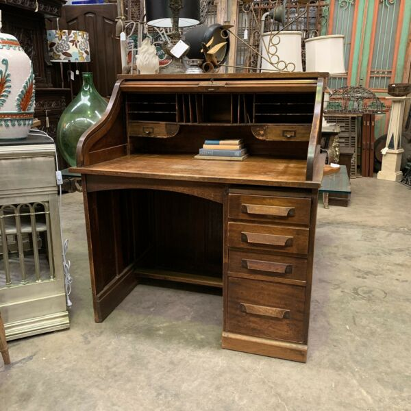 Antique Roll Top Desk With Locking Mechanism