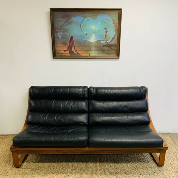 Iconic Mid Century Tessa T4 Black leather lounge