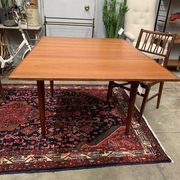 Mid Century Parker Extension Dining Table
