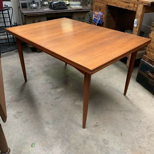 Mid Century Parker Extension Table