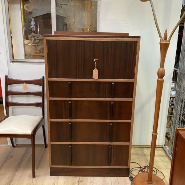 Mid Century Veneer Chest of Drawers with Cupboard Space
