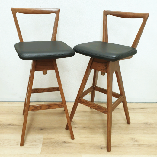 TH Brown bar stool