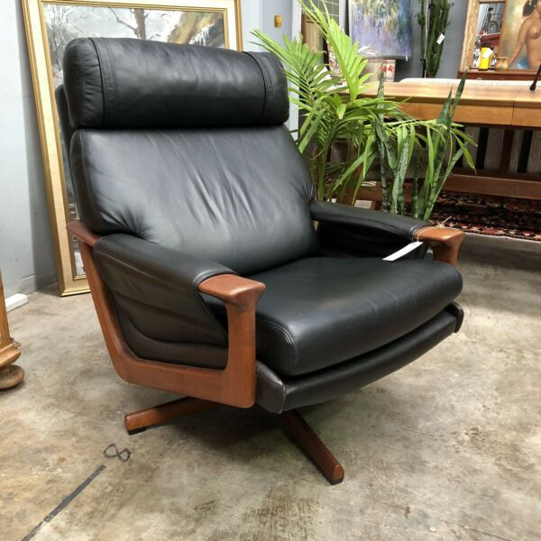 Tessa T21 Leather Swivel Armchair