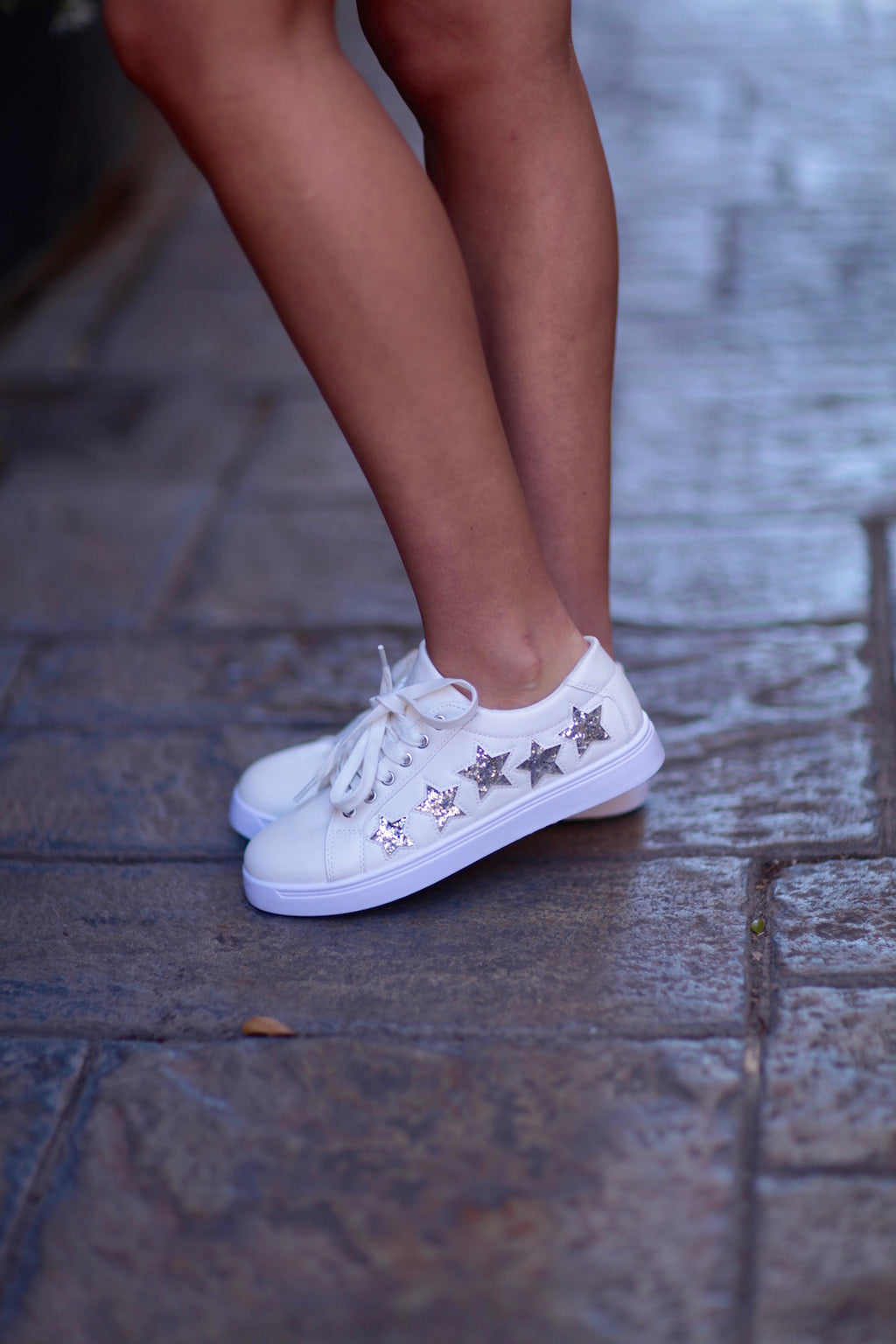 Emmy White Sneakers