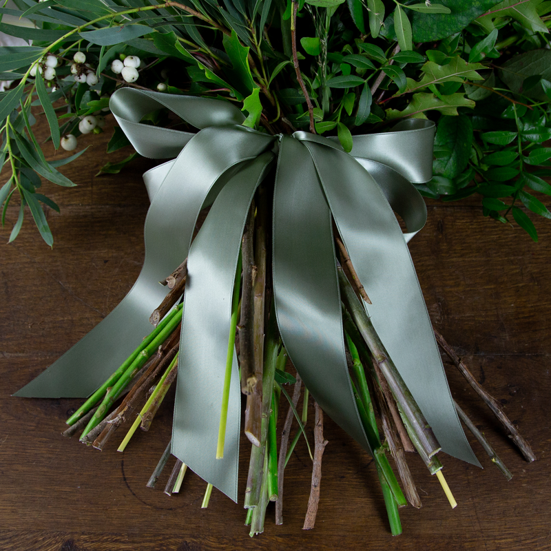 CLASSIC WHITES HAND-TIED SHEAF
