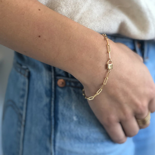 Jessa Lock and Link Bracelet Gold