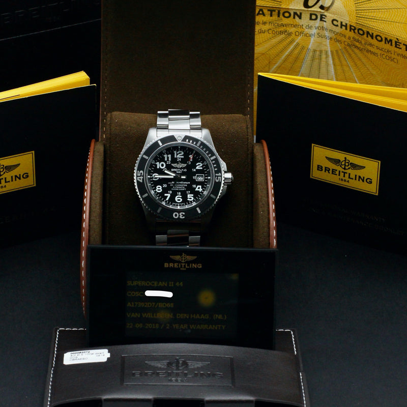 Breitling Superocean II 44 A17392D7/BD68 - 2018 - Breitling horloge - Breitling kopen - Breitling heren horloge - Trophies Watches