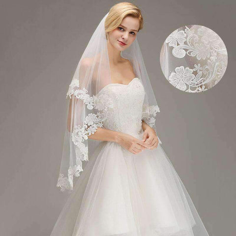 Image of 1.5M Lace Edge Short Wedding Veil With Comb Two Layers Tulle Bridal Veil Cheap Wedding Accessories Veu De Noiva