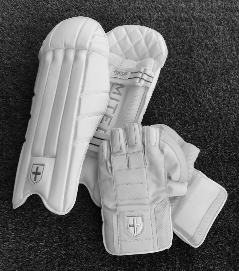 Focus Professional Wicket Keeping Gear - Youth