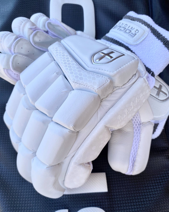 Focus SELECT Edition Gloves (Adult)