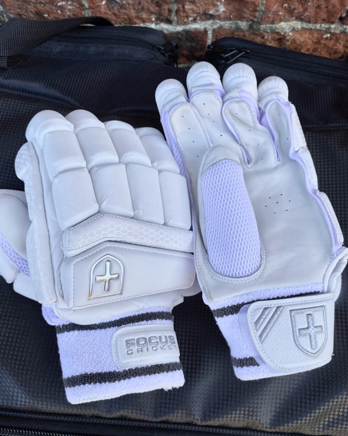 Focus SELECT Edition Gloves (Youth)