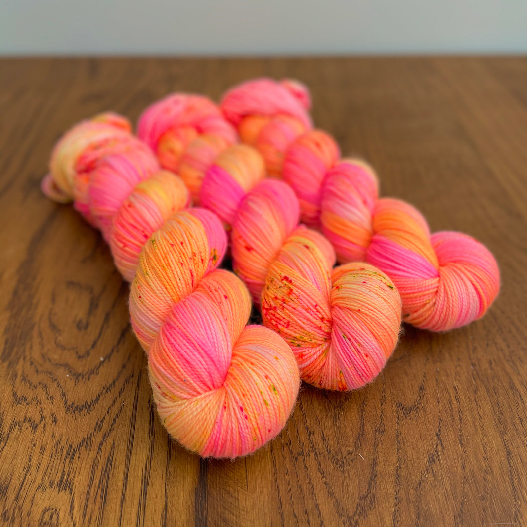 Neon peaches Sock yarn