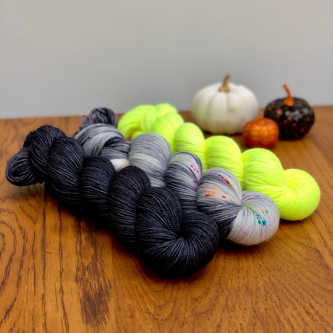 Haunted house 3 skein yarn set * Sock yarn