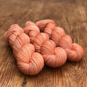 Dusty coral Sock yarn