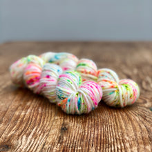 Summer bloom speckle Super chunky merino