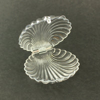 Clear & White Plastic Clam Shells Seashell Party Favors 12 Pieces - artcovecrafts.com