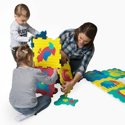 Image of Hakuna Mat Safari Animals Puzzle Mat Rugs & Rooms
