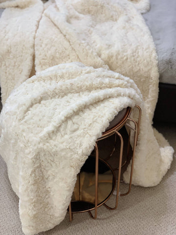 Image of Clotted Cream Faux Fur Throw RUGSANDROOMS